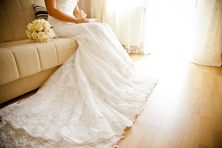 結婚式のサービス料ってなに?料金相場&見積もりの注意点