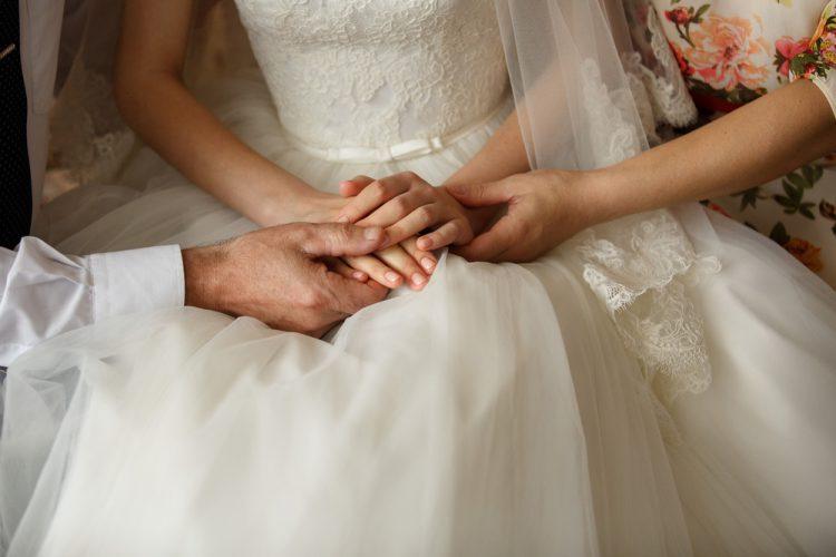 結婚式での親の役割まとめ。マナーや立ち振る舞いのすべて