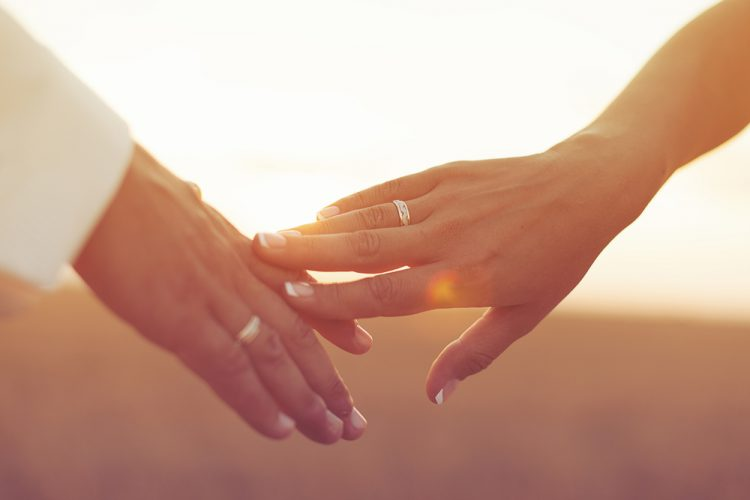 【婚姻届】再婚時の書き方解説!離婚日がわからない、子連れ再婚は?