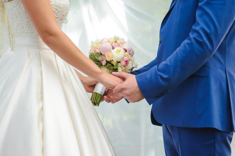 結婚式で誓いのキスをしたくない。コレなら恥ずかしくない!代わりのアイディア8選