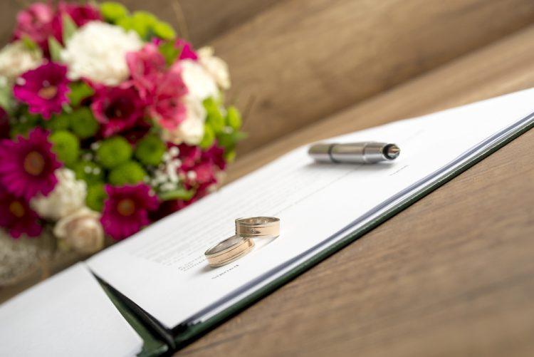 婚姻届提出時に必要!戸籍謄本とは?戸籍抄本との違いは?
