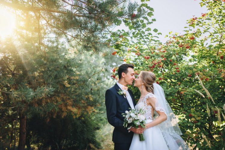 結婚式の「誓いのキス」の意味が素敵!美しく魅せるアイディア