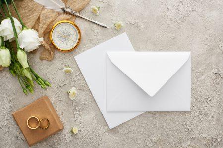 手紙とペン