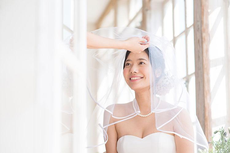 結婚式の定番演出ベールダウンの本当の意味&キレイに見えるやり方