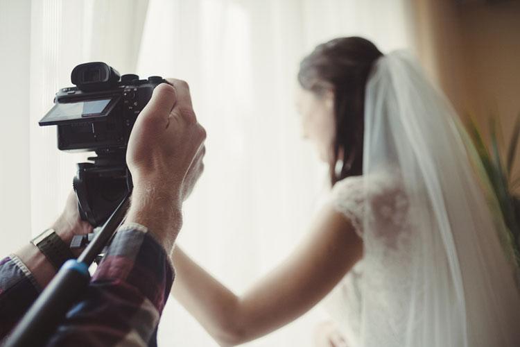 ウェディングカメラマン(お仕度シーン)