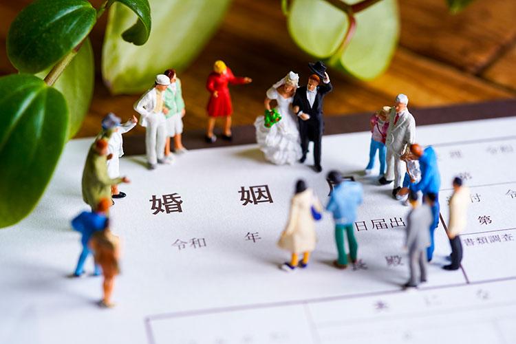 地味婚とは、ミニマルな結婚式スタイル。プランや注意点を解説