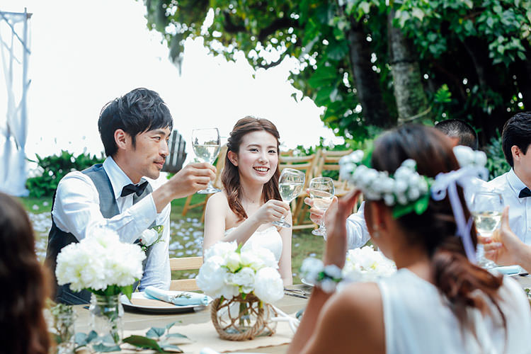 親族のみの結婚式に、友達ゲストを招待するときのアドバイス