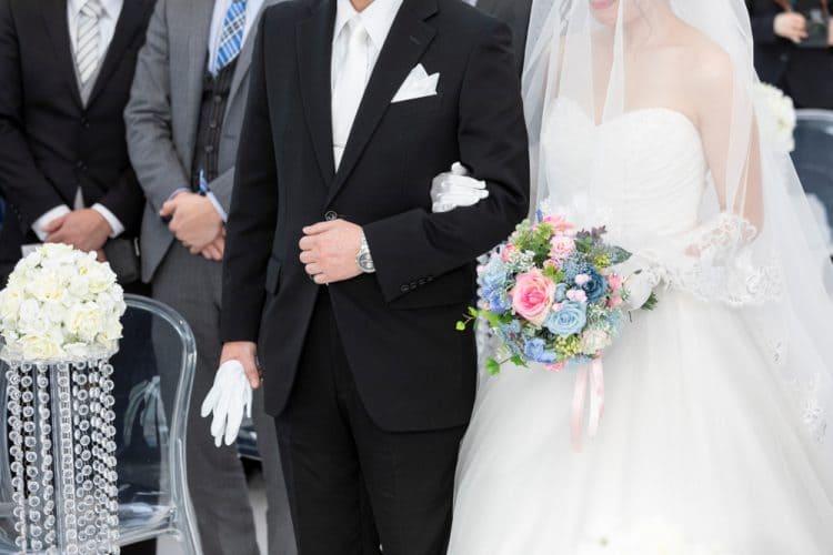 どこまで招待する?親族のみの結婚式でゲストを決める方法
