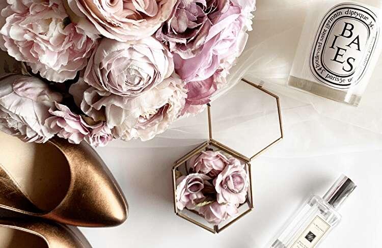 結婚式で造花はダサい?おしゃれ花嫁の間でブーム!造花を取り入れたおしゃれな結婚式