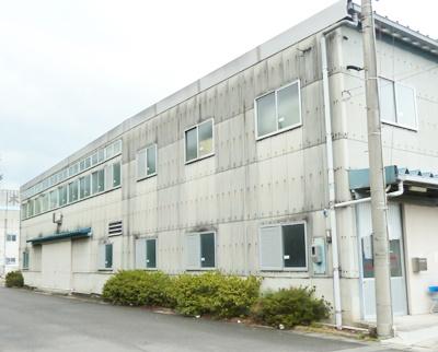 第二工場は第一工場から車で5分程移動した所にあります。