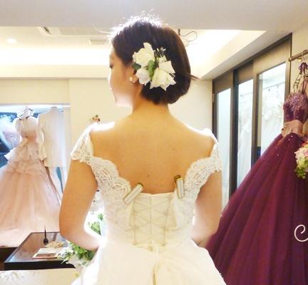 ショートヘアの花嫁 フラワーヘッドドレス