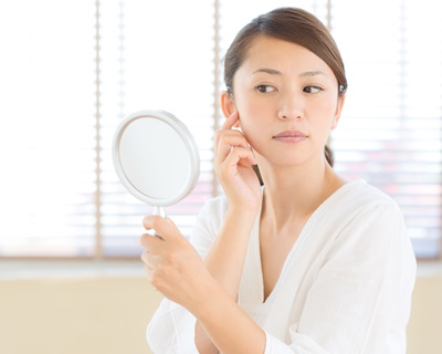 ニキビ・シミなど、根強い肌悩みを改善するなら4ヵ月前から